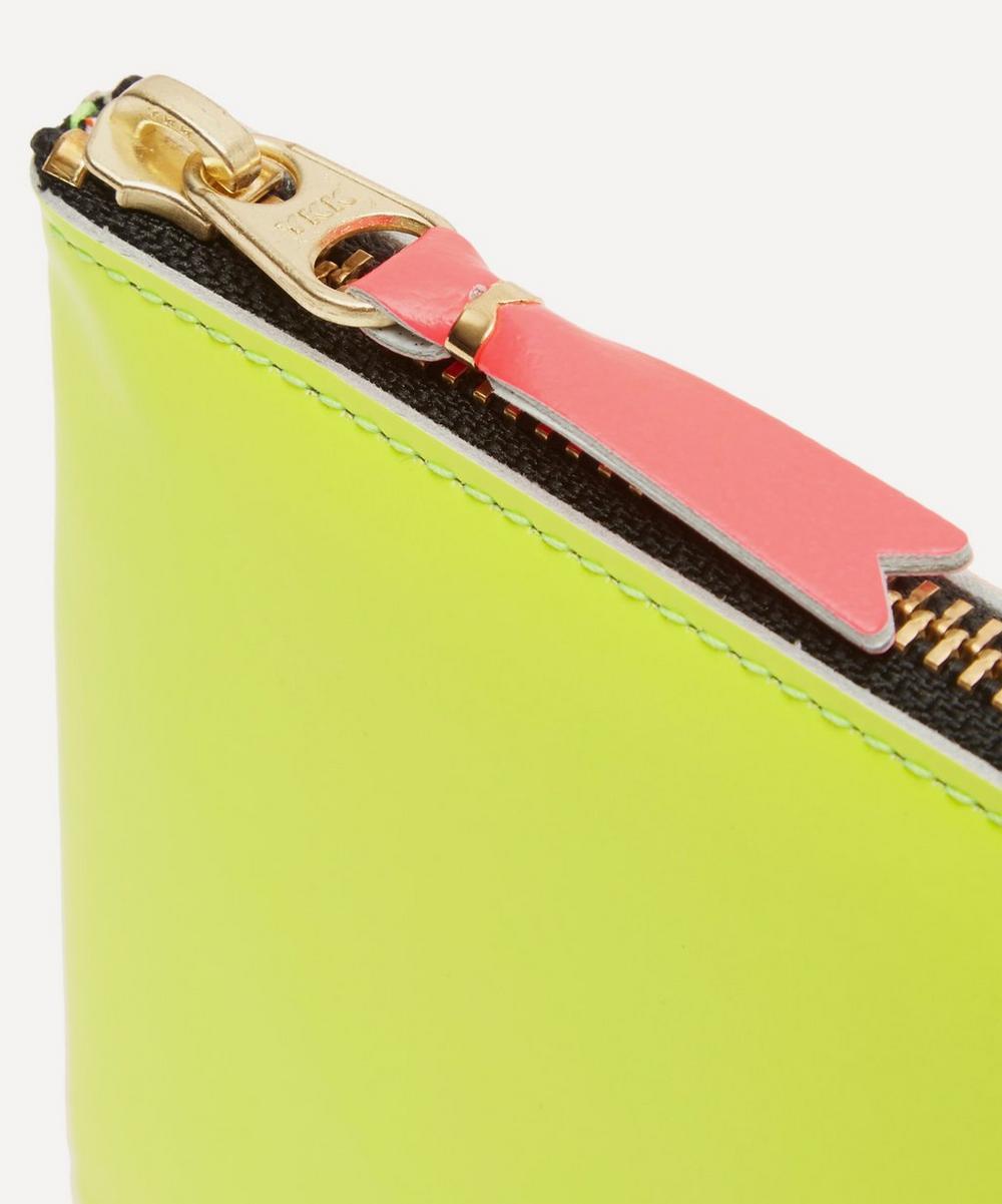 Green Contrast Fluorescent Half-zip Wallet