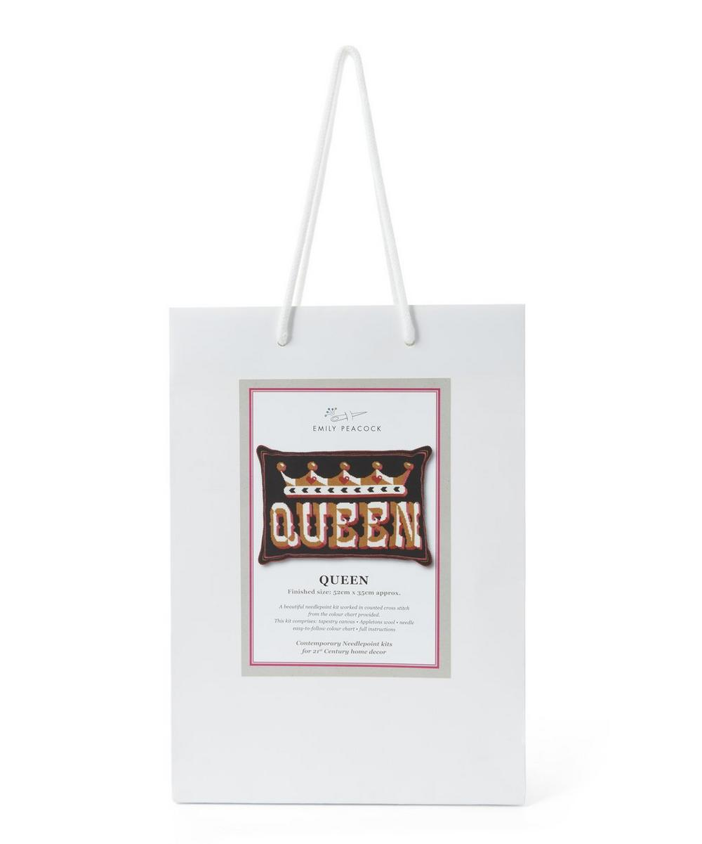 Small Queen Tapestry Kit