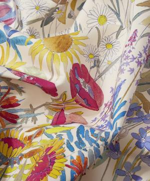 Faria Flowers Cotton Satin in Flower Bed