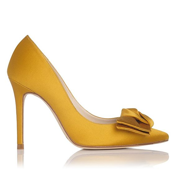 Aine Gold Satin Closed Courts