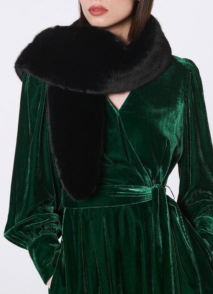 Saskia Black Faux Fur Stole