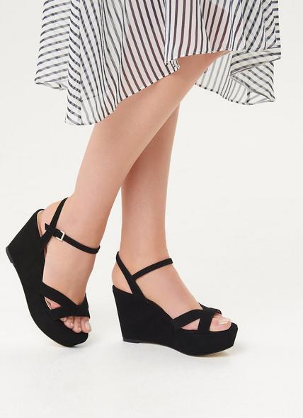 Henuita Black Suede Sandals