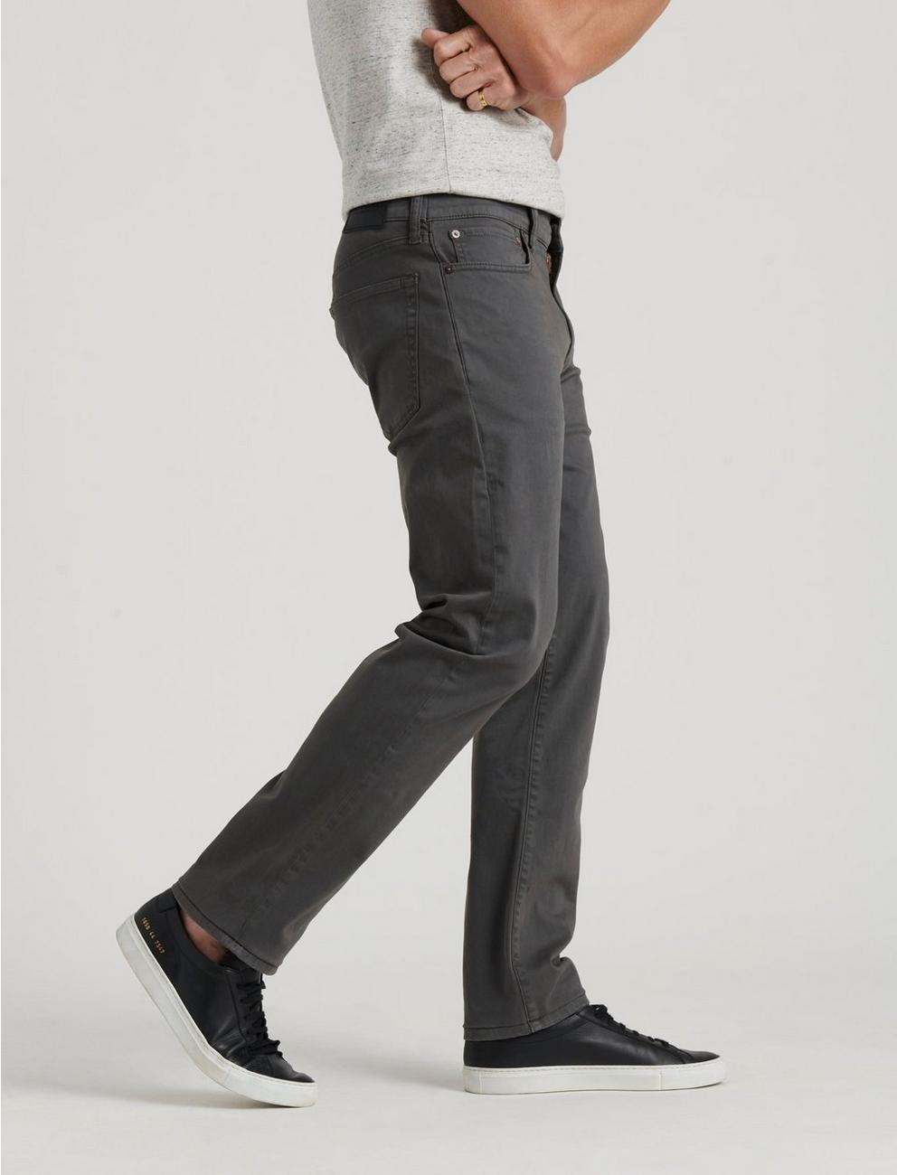 121 SLIM STRAIGHT SATEEN STRETCH JEAN, ONYX
