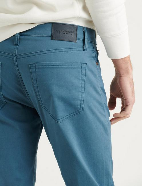121 SLIM STRAIGHT COOLMAX JEAN, INDIAN TEAL