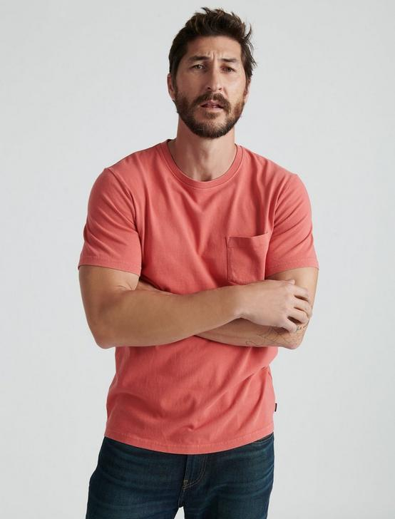 SUNSET POCKET TEE, MINERAL RED, productTileDesktop