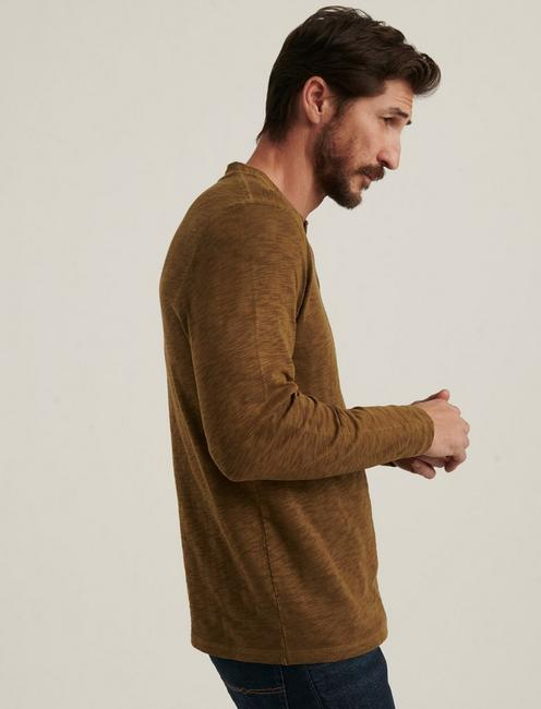 LONG SLEEVE SNAP HENLEY, TEAK