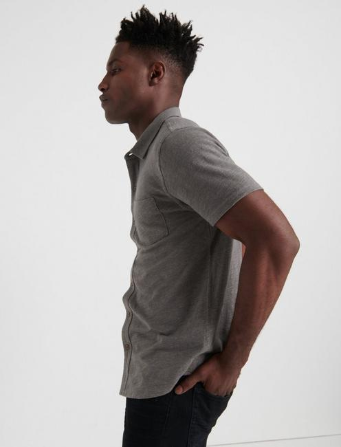 SHORT SLEEVE WASHED BUTTON UP, CHARCOAL GREY