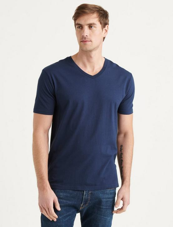 PIMA V-NECK, BLACK IRIS, productTileDesktop