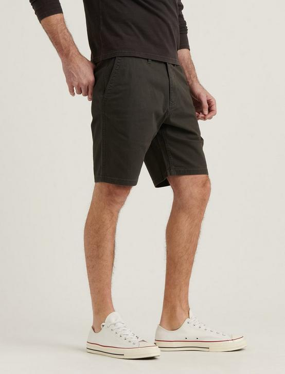 STRETCH TWILL FLAT FRONT SHORT, RAVEN, productTileDesktop