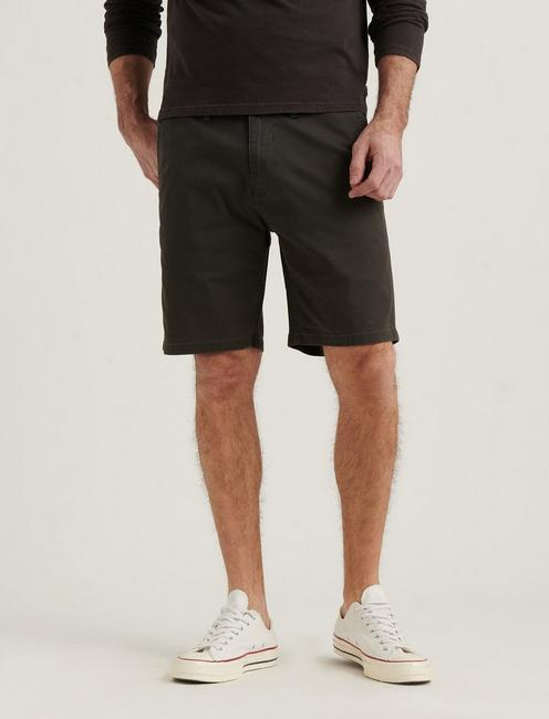 STRETCH TWILL FLAT FRONT SHORT, RAVEN