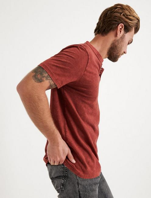 Sugar Magic Henley Shirt, ANDORRA RED
