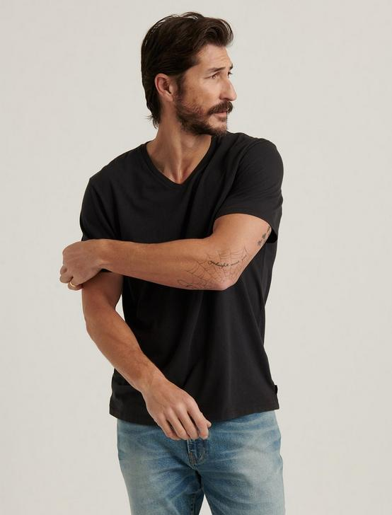 SUNSET V-NECK TEE, JET BLACK, productTileDesktop