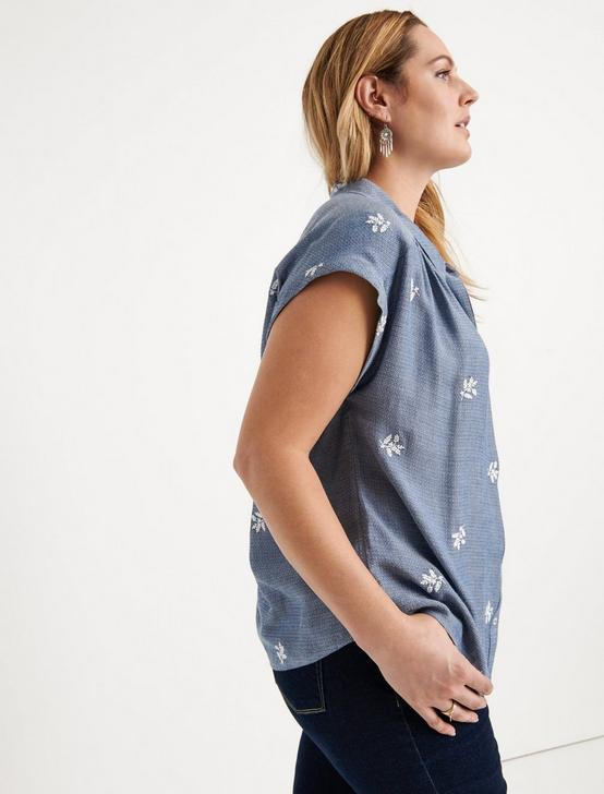EMBROIDERED SHORT SLEEVE SHIRT, CHAMBRAY BLUE, productTileDesktop
