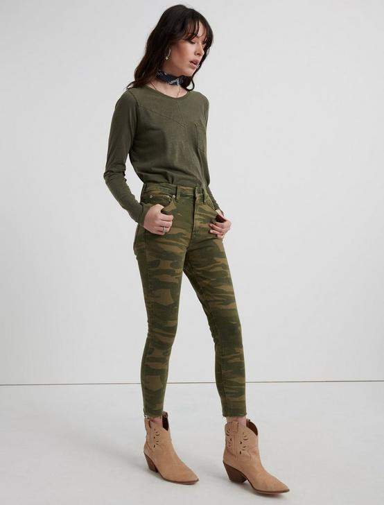 HIGH RISE BRIDGETTE CROP JEAN, CLASIC CAMO, productTileDesktop