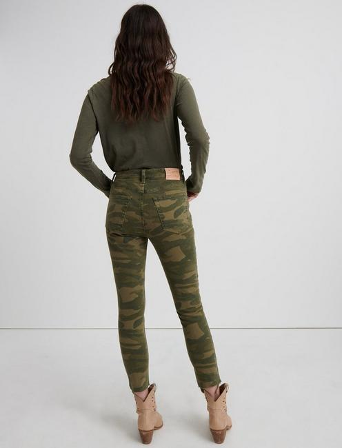 HIGH RISE BRIDGETTE CROP JEAN, CLASIC CAMO