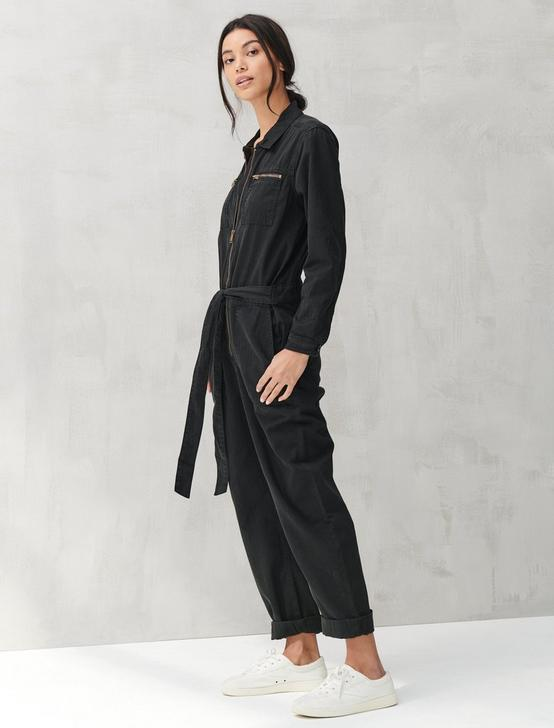 TIE FRONT JUMPSUIT, LUCKY BLACK #001, productTileDesktop