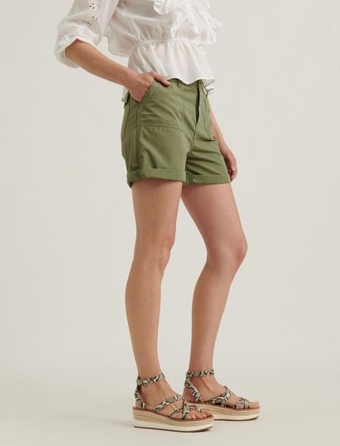 RELAXED SHORT, ROMAINE GREEN