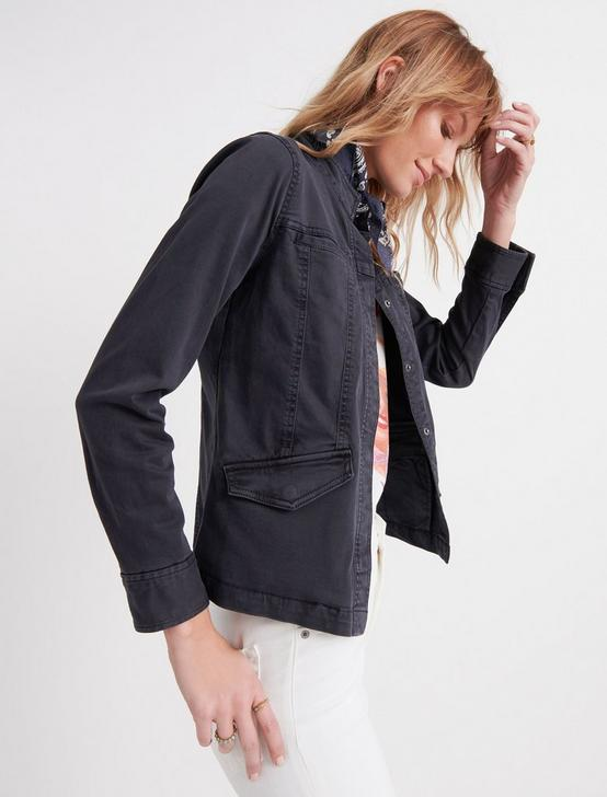 WAISTED UTILITY JACKET, 001 LUCKY BLACK, productTileDesktop