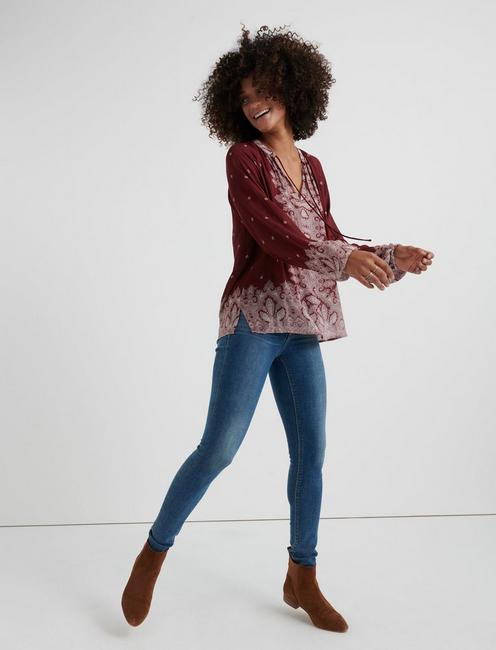 BORDER PRINT PEASANT TOP, BURGUNDY MULTI
