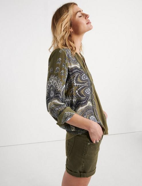 SCARF PAISLEY POPOVER PEASANT, OLIVE MULTI