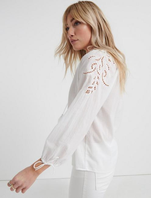 VIVIENNE EYELET TOP, LUCKY WHITE