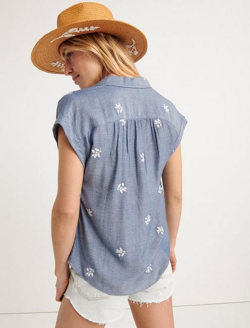 EMBROIDERED SHORT SLEEVE SHIRT, CHAMBRAY BLUE