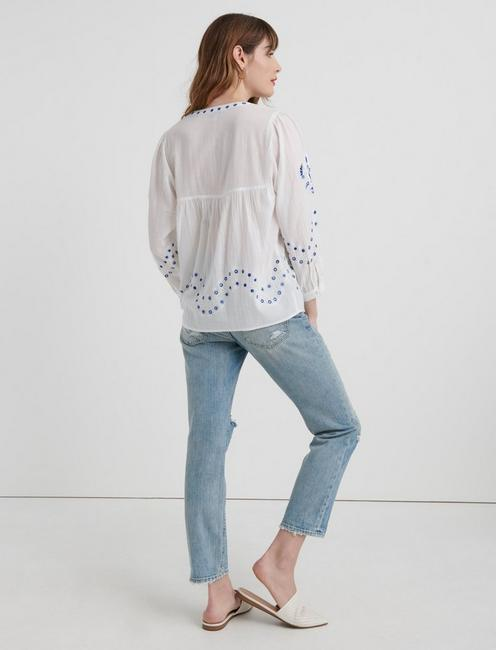 EVELYN EMBROIDERED PEASANT TOP, LUCKY WHITE