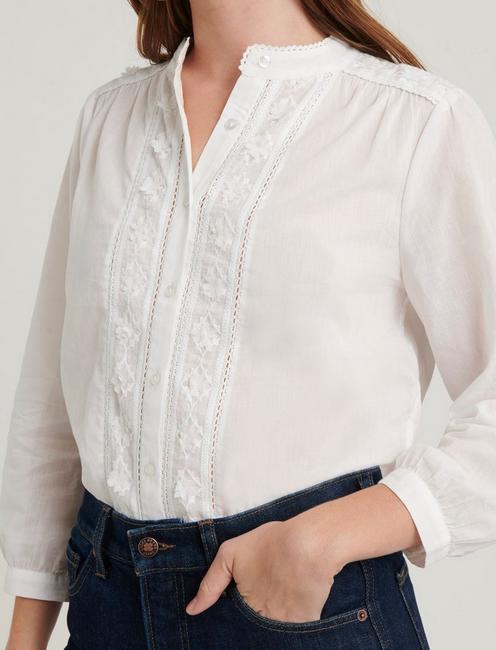 MARIA FLORAL APPLIQUE TOP, LUCKY WHITE