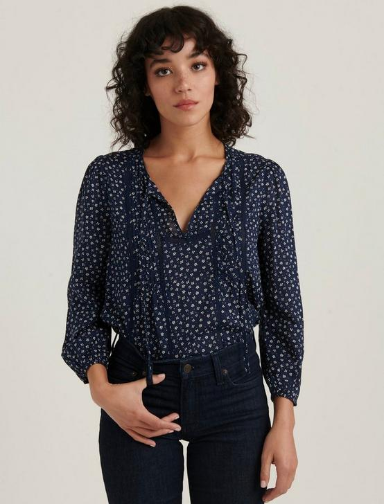 PLEATED POPOVER TOP, NAVY MULTI, productTileDesktop
