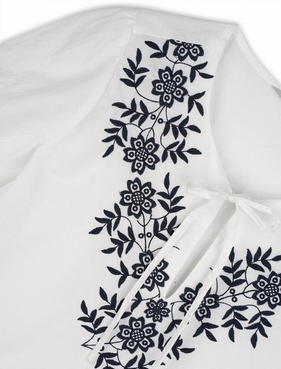 EMBROIDERED FEMININE BLOUSE, BRIGHT WHITE, productTileDesktop