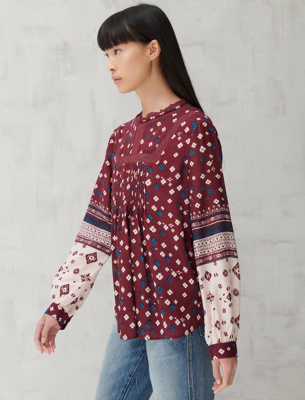 HIGH NECK LACE INSET TOP, image 3
