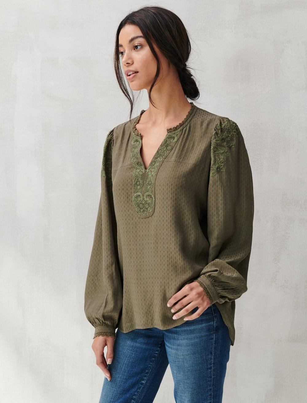 TEXTURED EMBROIDERED PEASANT TOP, image 3