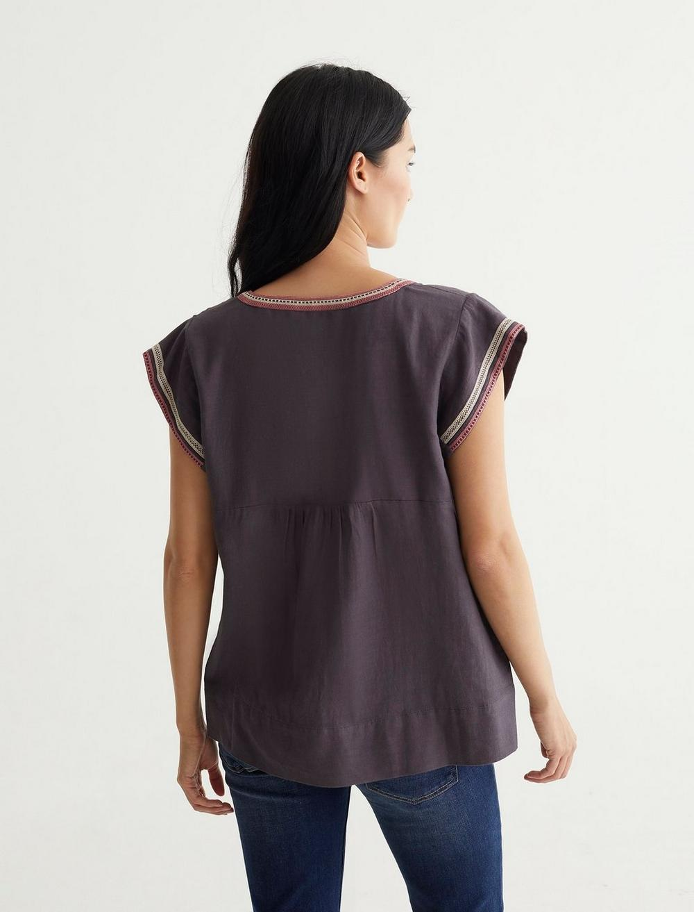 EMBROIDERED WOVEN TOP, image 4
