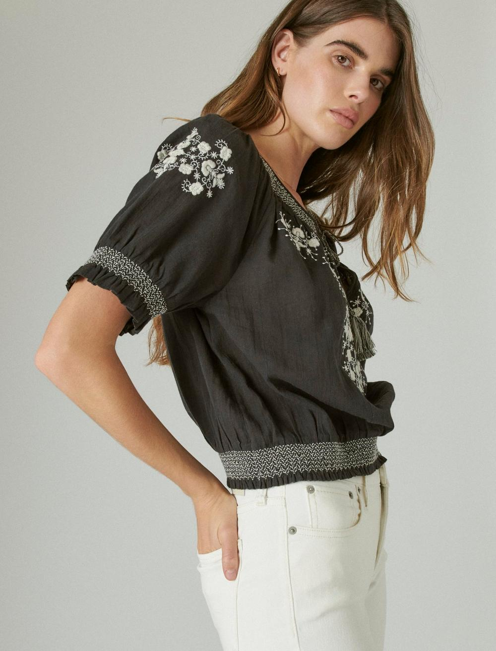 EMBROIDERED SHORT SLEEVE TOP, image 3