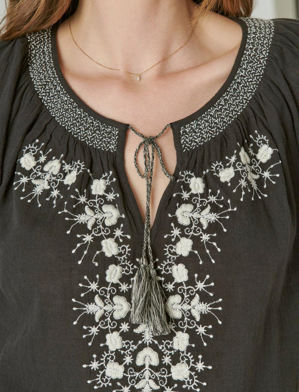 EMBROIDERED SHORT SLEEVE TOP, image 6