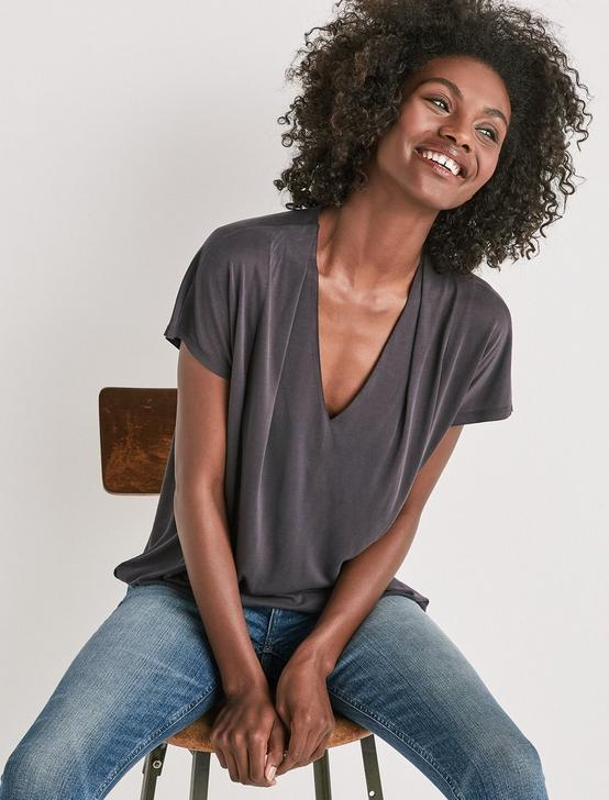 SANDWASH V-NECK DARTED TOP, , productTileDesktop