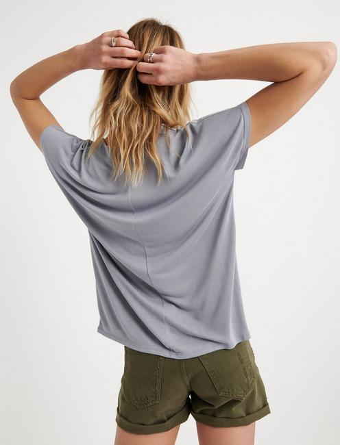 SANDWASH V-NECK DARTED TOP, SLEET