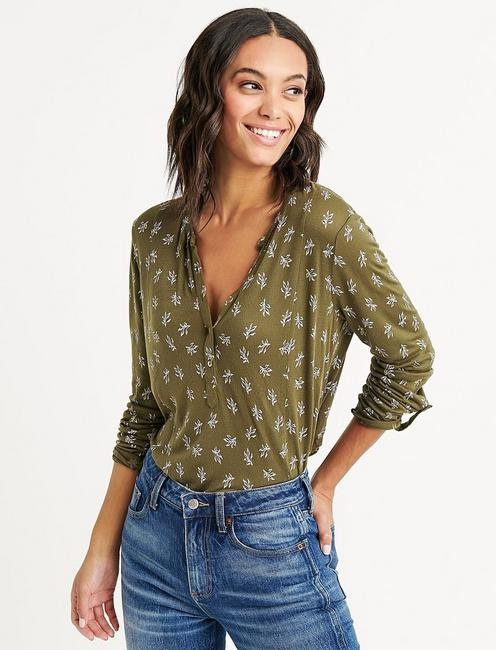 SEAMED DITSY FLORAL HENLEY,