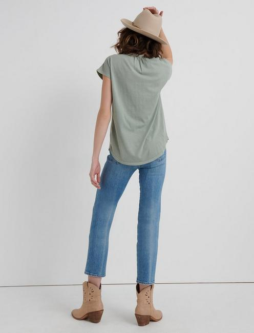WASHED APPLIQUE HENLEY, MINT