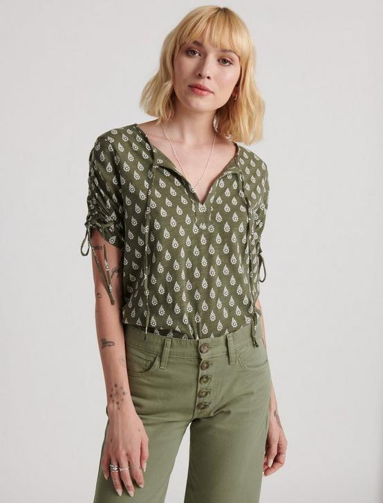 RUCHED SHORT SLEEVE NOTCH NECK, OLIVE MULTI, productTileDesktop