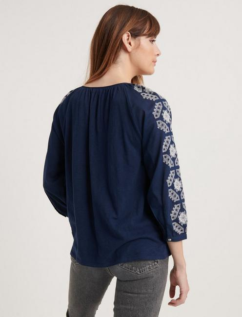 EMBROIDERED 3/4 SLEEVE PEASANT TOP, AMERICAN NAVY