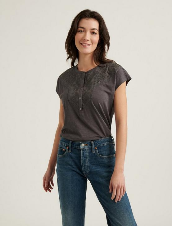 WASHED APPLIQUE YOKE HENLEY TOP, MAGNET (19-3901 TCX), productTileDesktop