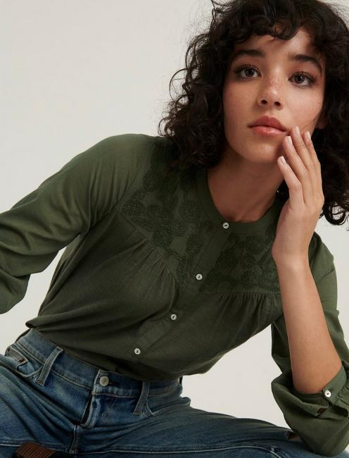 EMBROIDERED YOKE BUTTON DOWN, THYME
