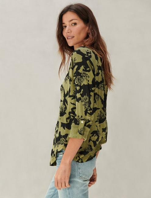 PRINTED POINTELLE HENLEY, GREEN MULTI