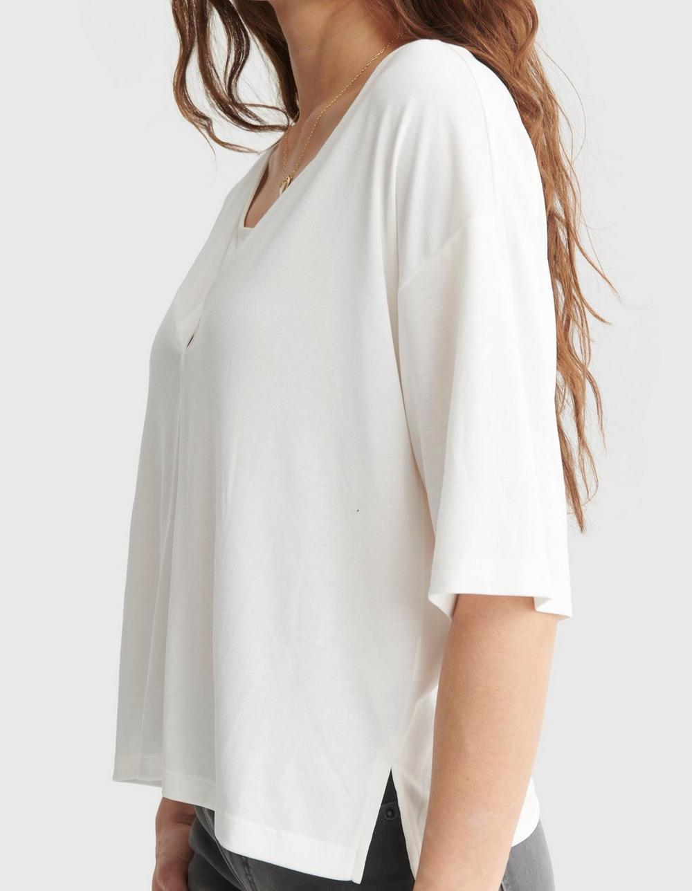RELAXED-FIT V-NECK KNIT TOP, image 4