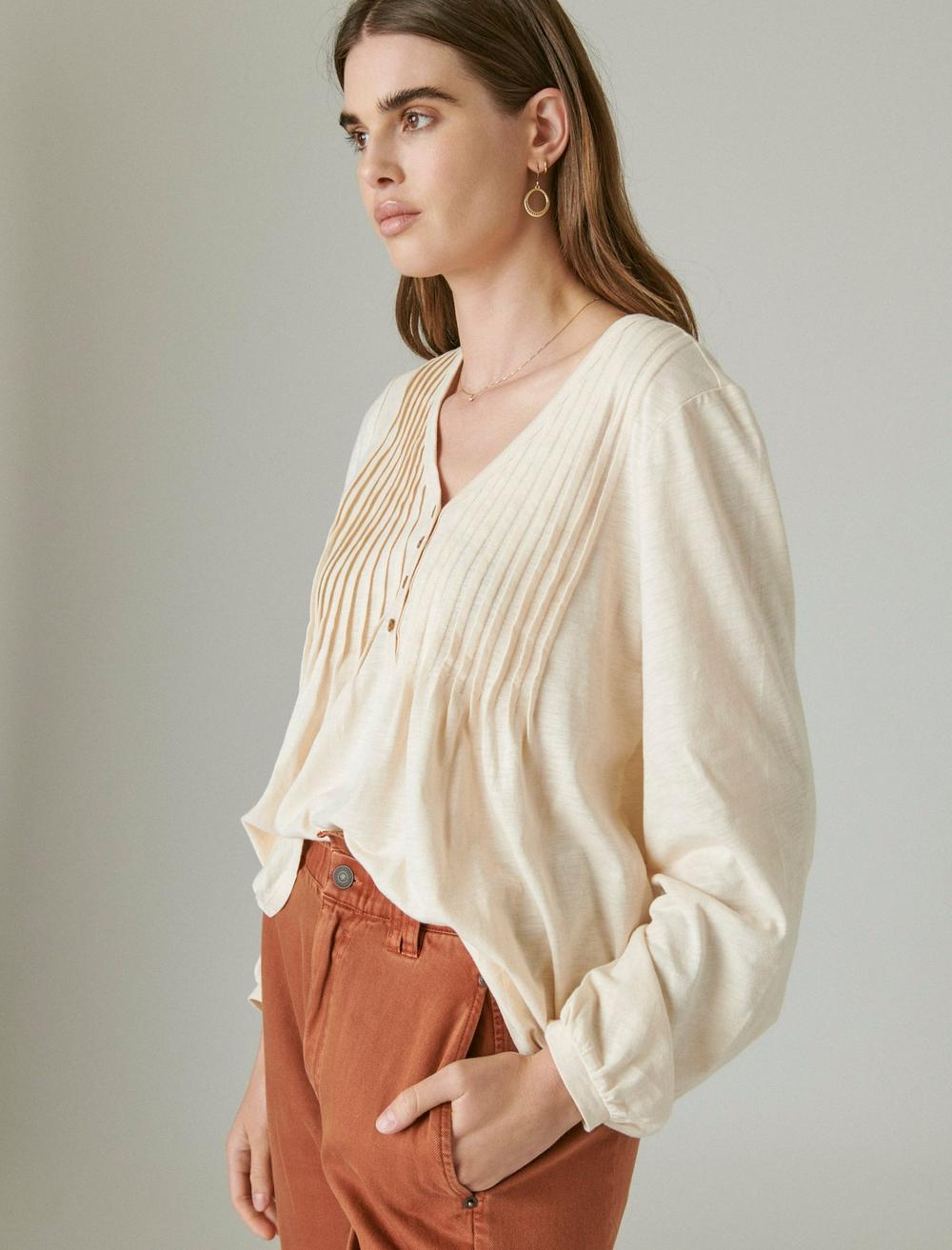 PLEATED V-NECK KNIT TOP, image 4