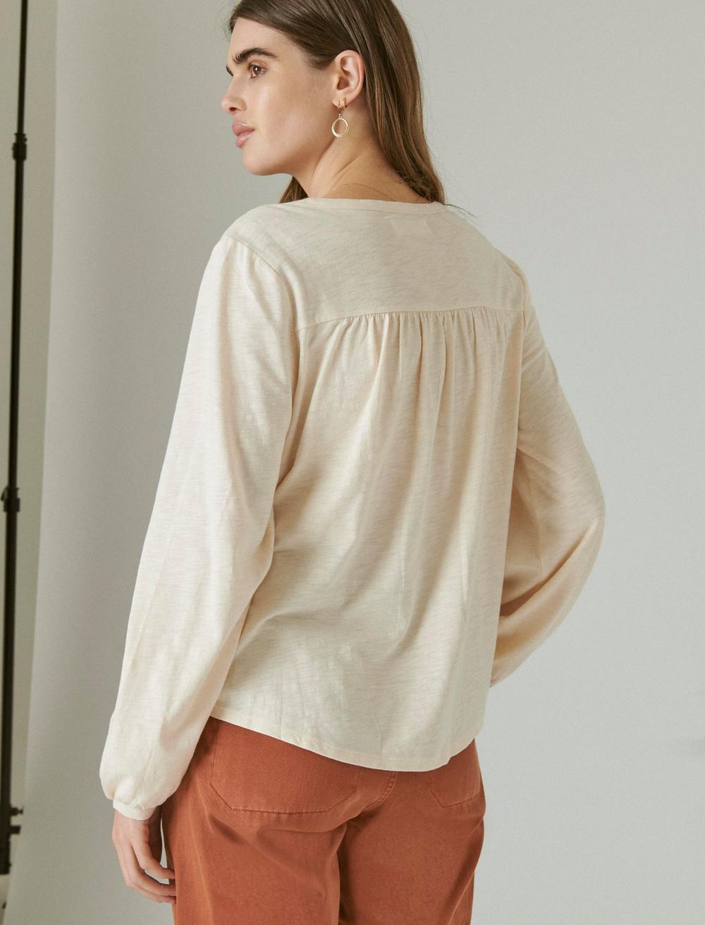 PLEATED V-NECK KNIT TOP, image 5