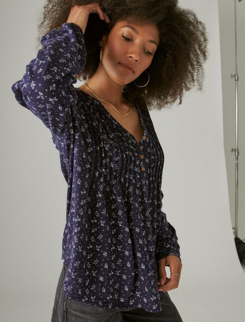 PLEATED V-NECK KNIT TOP, image 6