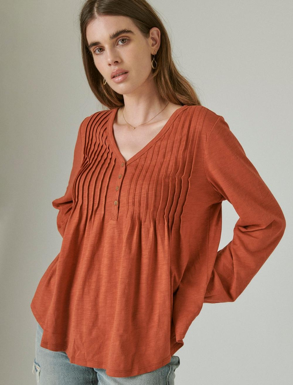 PLEATED V-NECK KNIT TOP, image 1
