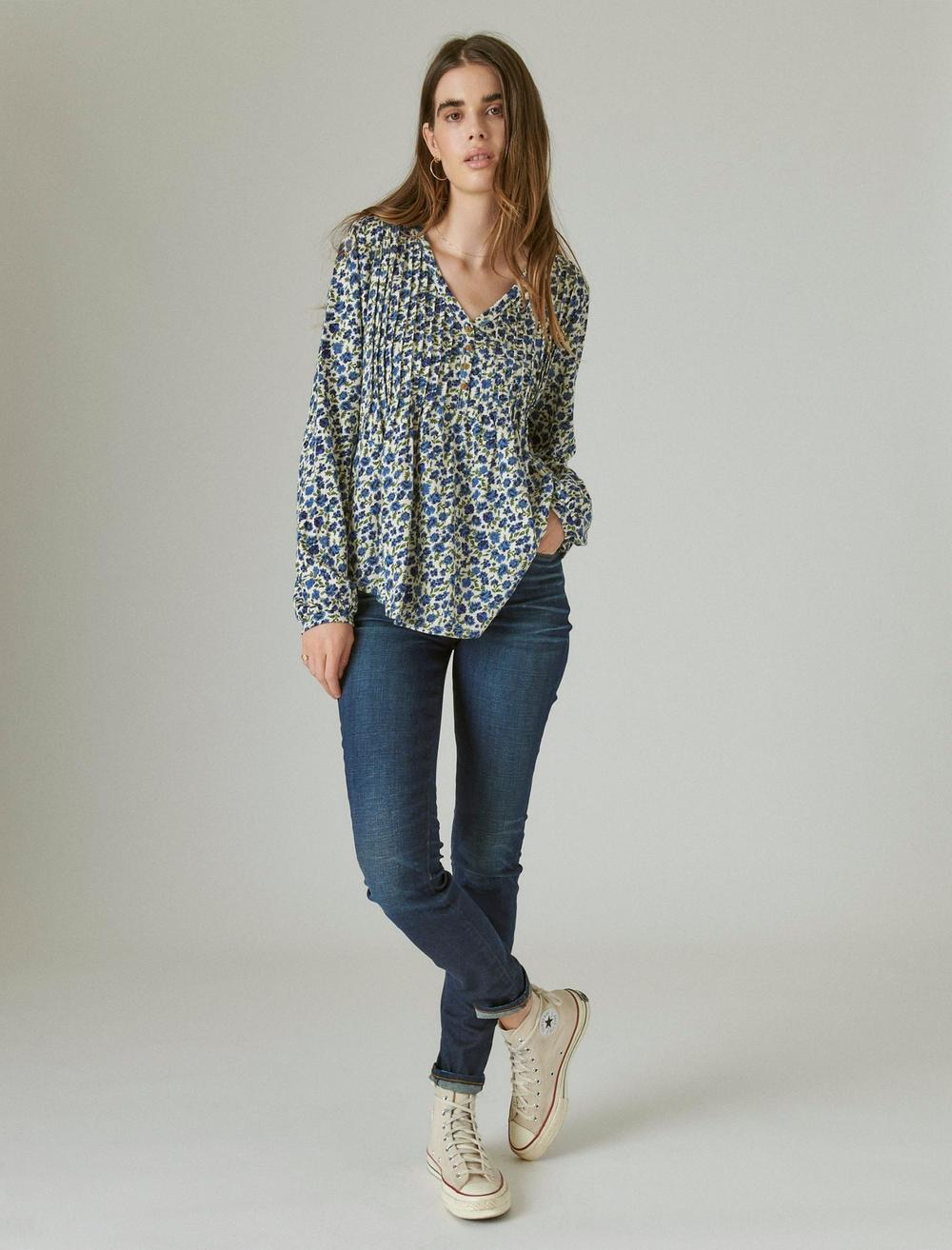 PLEATED V-NECK KNIT TOP, image 2